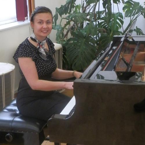 piano teacher lincoln uk